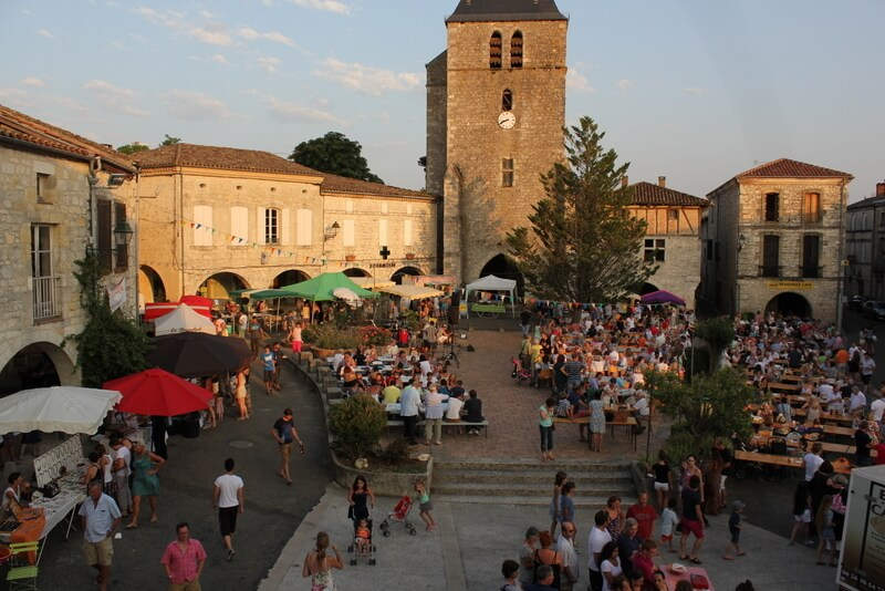 Beauville Evening market